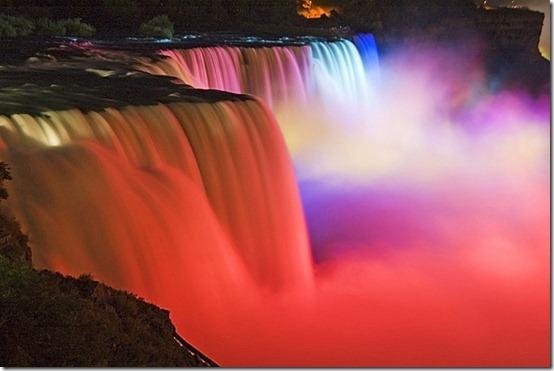 Niagara_Falls_2011_travelerdom5