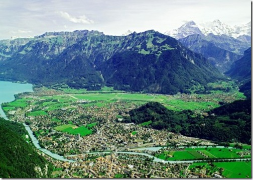 Enjoying-The-Beautiful-Scenery-in-Interlaken-Switzerland-1-470x332